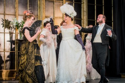 Flora, La traviata - Opera Holland Park Young Artist Production 2018